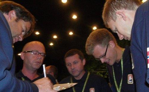 Norge på vei ut av VM? - 7  for runden og minus 48 totalt
